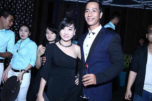 Vợ cũ Thái Hòa sánh đôi cùng trai trẻ - 1