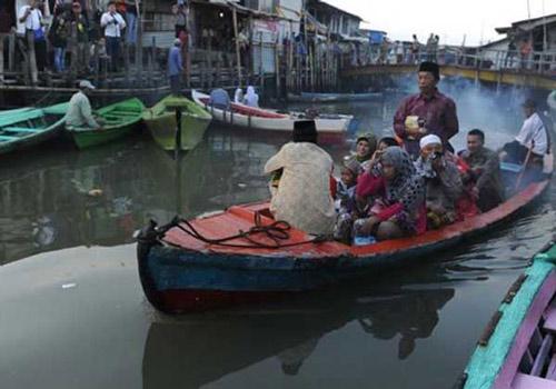 Chìm thuyền ở Indonesia, 25 người thiệt mạng - 1