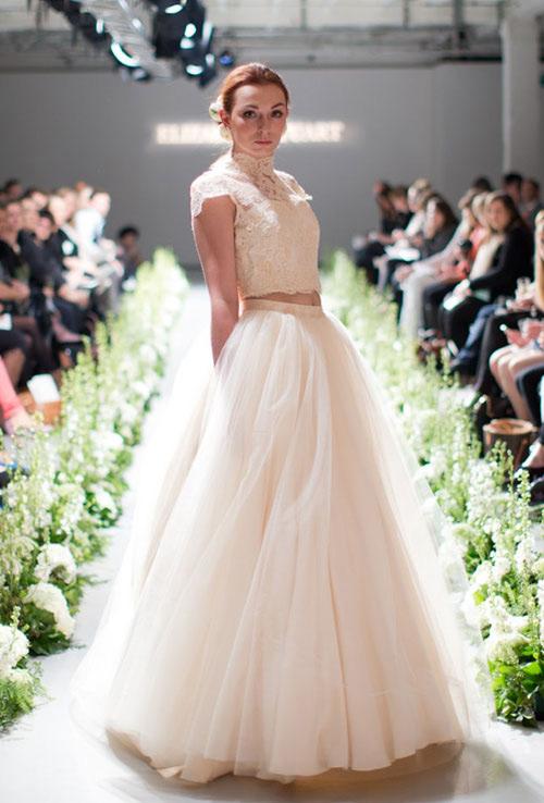 Cô dâu gợi cảm với áo cưới hở eo - 1