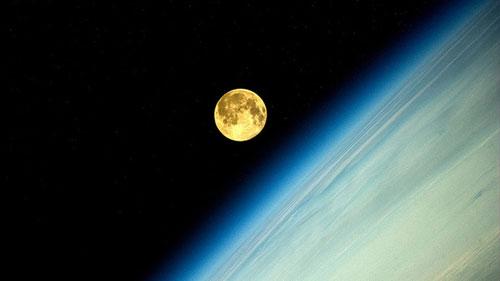Ảnh: Mãn nhãn ngắm Mặt trăng lớn nhất trong 20 năm - 1
