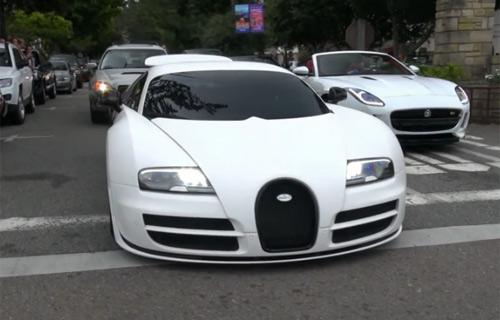 Bộ ba siêu xe độ màu trắng tuyệt đẹp trên phố - 1