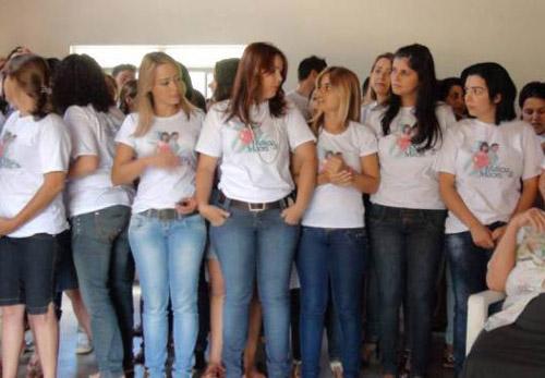 """Thâm nhập thị trấn toàn mỹ nữ """"khát chồng"""" ở Brazil - 1"""