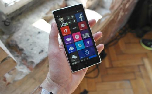 Bất ngờ trước mức giá của Nokia Lumia 830 - 1