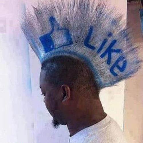 Anh chàng này là fan ruột của Facebook - 1