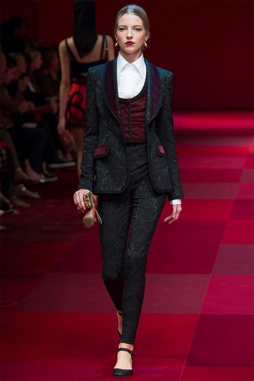 Dolce & Gabbana vẫn hấp dẫn mê hồn dù cũ kỹ - 1