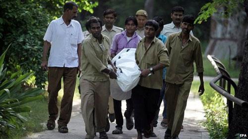 Nam sinh bị hổ cắn chết trong vườn thú ở Ấn Độ - 1