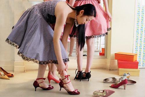 Nghề đóng giày vẫn đắt khách chân lệch cỡ - 1