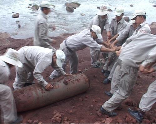 Quảng Trị: Phát hiện quả bom 500kg sau trận mưa lớn - 1