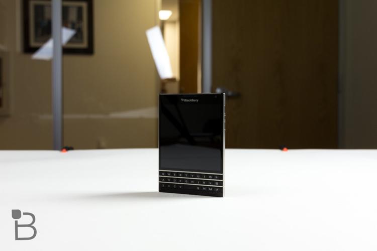 BlackBerry vừa tổ chức một sự kiện đang diễn ra ở Toronto, để trình làng chiếc smartphone cao cấp mới của hãng có tên gọi BlackBerry Passport.