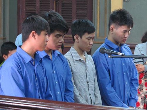 Xử phúc thẩm nhóm cướp làm gãy chân nghệ sĩ Hồng Vân - 1