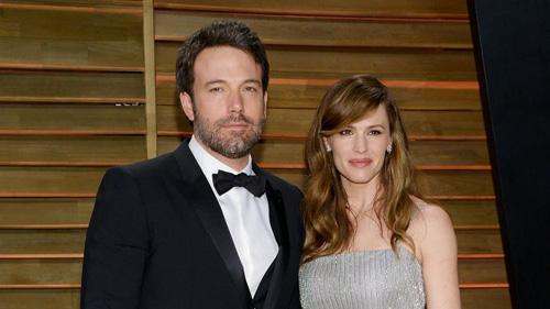 """""""Cặp đôi vàng Hollywood"""" ly hôn sau kỷ niệm ngày cưới - 1"""