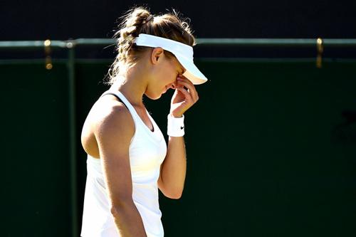 Wimbledon: Mỹ nhân mặc áo lót... phạm quy - 1