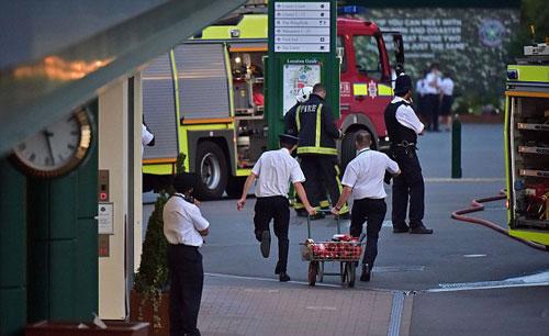 Wimbledon: Khán giả tá hỏa vì cháy SVĐ trung tâm - 1