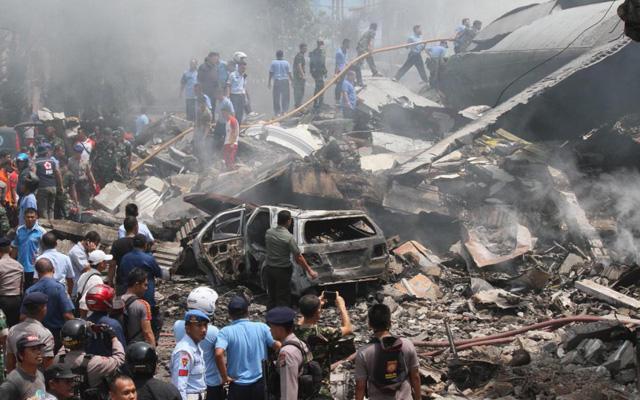 Tai nạn máy bay thảm khốc ở Indonesia: Hé lộ nguyên nhân - 1