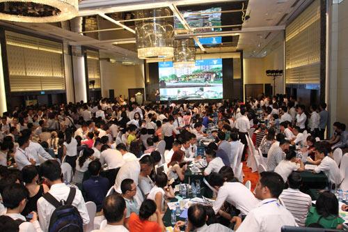 Sức hút lớn tại lễ mở bán căn hộ Park 2 - 1