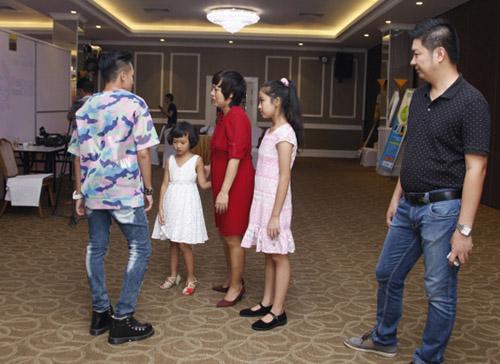 Thái Thùy Linh thon thả sau 1 tháng sinh con thứ hai - 1