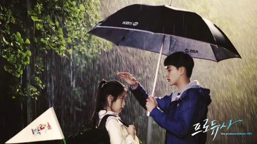 """""""Mê tít"""" với 6 cảnh mưa lãng mạn trong phim Hàn - 1"""