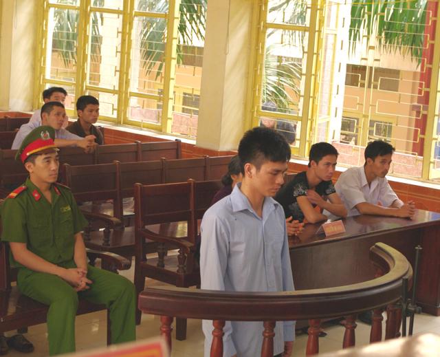 Lý Nguyễn Chung lĩnh án, tòa kiến nghị điều tra mở rộng - 1