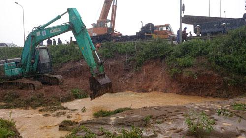 Đường ống nước sông Đà vỡ lần thứ 12 - 1