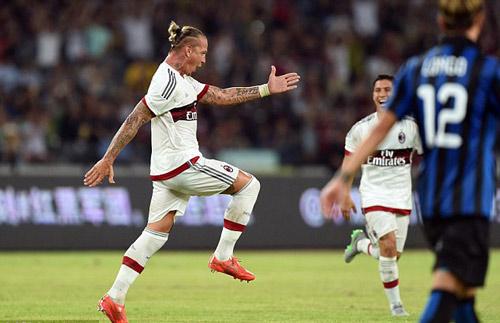 Milan - Inter: Cú vô-lê thần sầu - 1