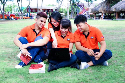 Học sinh tốt nghiệp THPT theo nghề lập trình nhờ game hot - 1