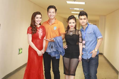 Dương Hoàng Yến mặc sexy bên MC Phan Anh - 1