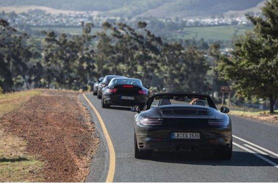 Lộ động cơ mẫu Porsche 911 Carrera mới - 1