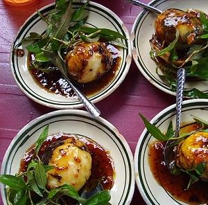 Cách làm trứng cút lộn xào me thơm ngon đơn giản nhất - 4