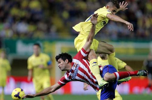 Sau 2 năm, Gabriel vẫn ngờ nghệch trước Diego Costa - 1