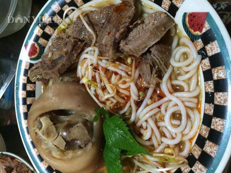 Tô bún bò Huế - món ăn ngon của người Việt tại Mỹ - 1