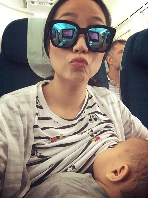 Chùm ảnh cho con bú đáng yêu của Ốc Thanh Vân - 1