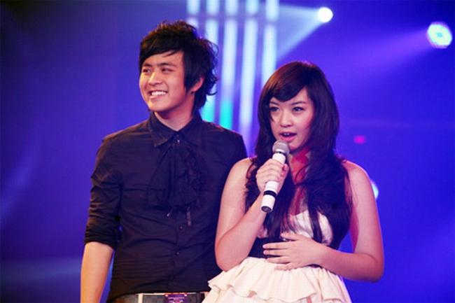 Trước đây, Quỳnh My từng nhiều lần được Wanbi giới thiệu trên sân khấu. Cô có giọng hát khá tốt và từng được định hướng theo đuổi nghệ thuật.