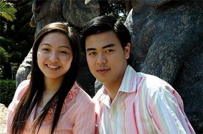 Thời gian gần đây, cuộc sống củaLưu Hà - một trong những MC đời đầu nổi tiếng của VTV, được cộng đồng mạng chú ý. Bởi trong 8 năm lập gia đình, Lưu Hà và chồng đã sinh 4 nhóc tì xinh đẹp.