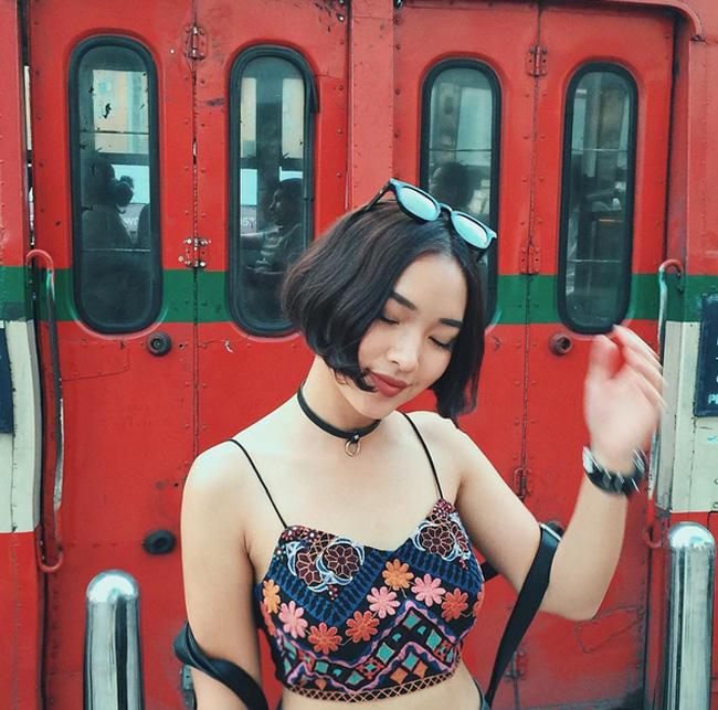 """Mới 19 tuổi nhưng Châu Bùi (tên thật là Bùi Thái Bảo Châu) đã """"gây bão"""" cộng đồng Instagram Việt với lượng follow lên tới 147 nghìn người. Mỗi tấm ảnh Châu chụp thời trang, đi chơi, ăn uống... đều thu hút hới 6, 7 nghìn lượt yêu thích."""
