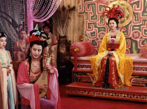 """Nhan sắc 30 năm không đổi của """"nữ vương Tây Lương"""" - 7"""