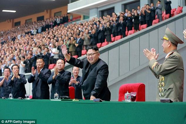Báo HQ: Triều Tiên xử tử cán bộ… ngủ gật trong phòng họp - 1