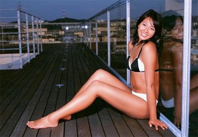Là một VĐV thể thao nhưng Miwa Asao lại sở hữu một thân hình mềm mại, gợi cảm bên cạnh gương mặt xinh xắn.