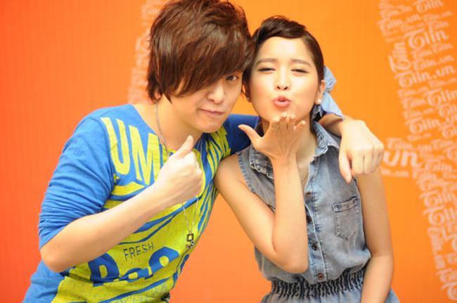 Hai người tâm đầu ý hợp nên hợp tác đóng MV rất ăn ý. Wanbi giúp nữ ca sĩ người Hàn học tiếng Việt và dạy hát tiếng Việt.