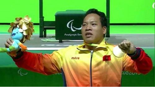 HCV Paralympic Lê Văn Công: Điều chưa kể sau cú đẩy xuất thần - 1
