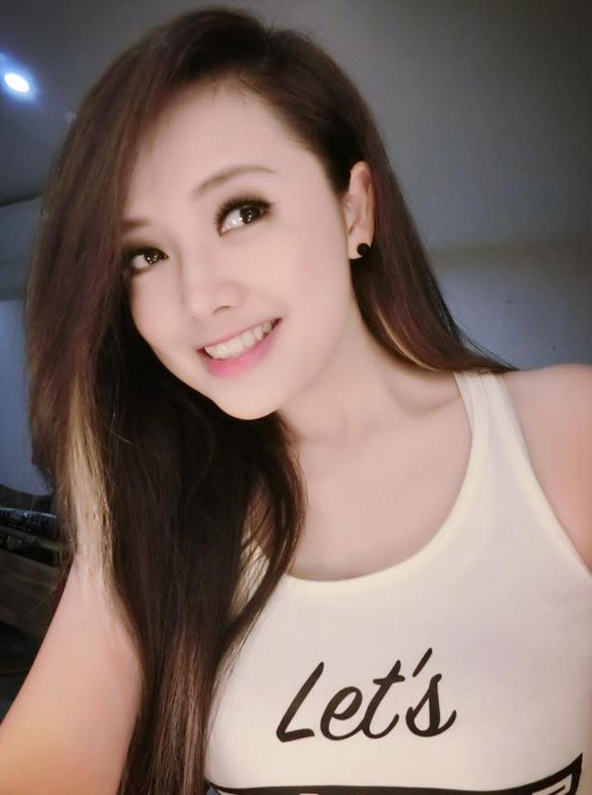 Nụ cười rạng rỡ của MC Ngọc Trang cũng được người hâm mộ yêu mến.