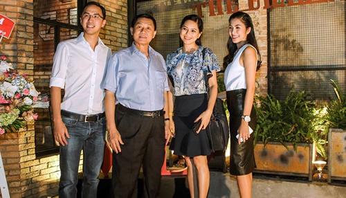 Đọ vóc dáng Tăng Thanh Hà và mẹ chồng hơn 16 tuổi - 1