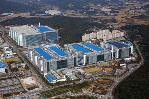 """Samsung chi """"núi tiền"""" xây nhà máy phục vụ Apple - 1"""