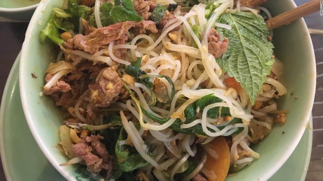 10 món ăn đường phố của ẩm thực Việt Nam được báo nước ngoài hết mực ca ngợi