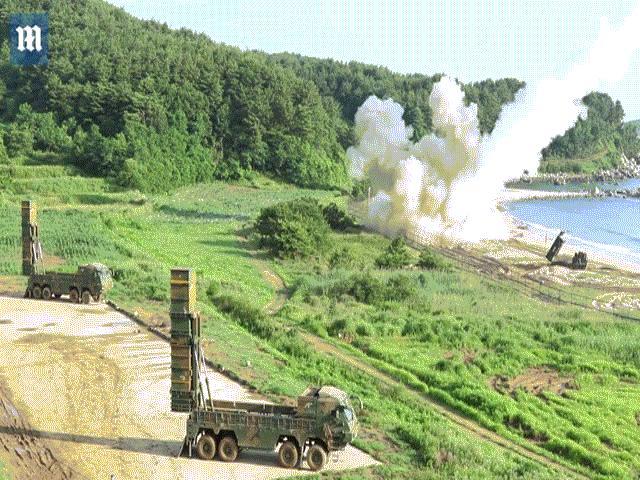 Sức mạnh 2 loại tên lửa Mỹ-Hàn bắn cảnh cáo Triều Tiên