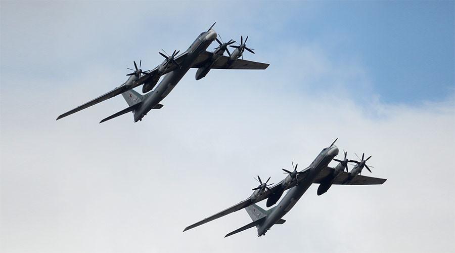 Máy bay ném bom Nga nã tên lửa hành trình mới nhất vào IS - 1