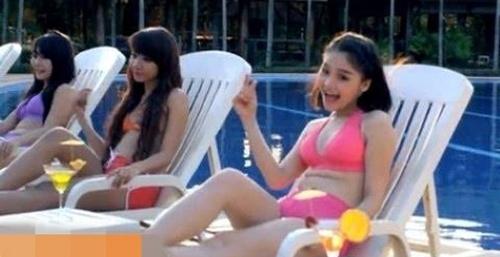 """Người đẹp Việt tưởng sexy nhưng """"không dám"""" mặc bikini đi biển - 1"""
