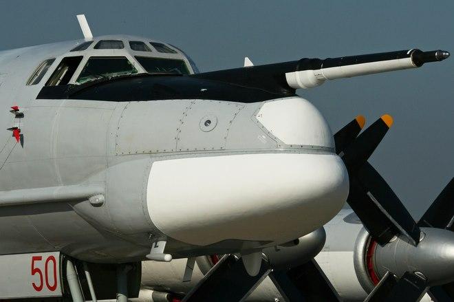 Máy bay ném bom đáng sợ nhất Nga gắn được tên lửa cực mạnh - 1