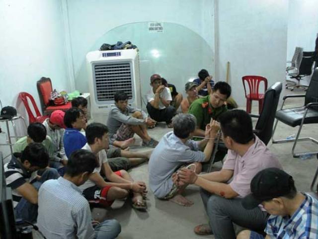"""Bộ Công an đánh sập sới bạc """"khủng"""" phía sau biệt thự ở Sài Gòn"""