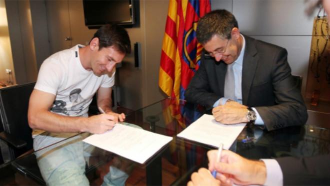 Messi – Ronaldo ngoài 30 tuổi: Đua danh hiệu, đua cả kế vòi tiền - 1