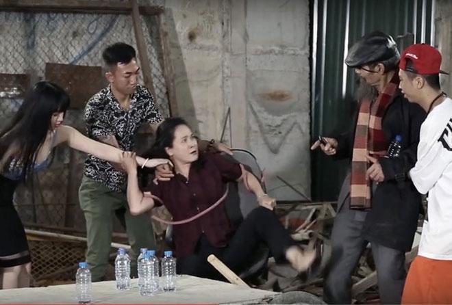 """""""Mẹ chồng"""" Lan Hương Bông bức xúc vì bị lợi dụng quảng cáo ô tô - 1"""